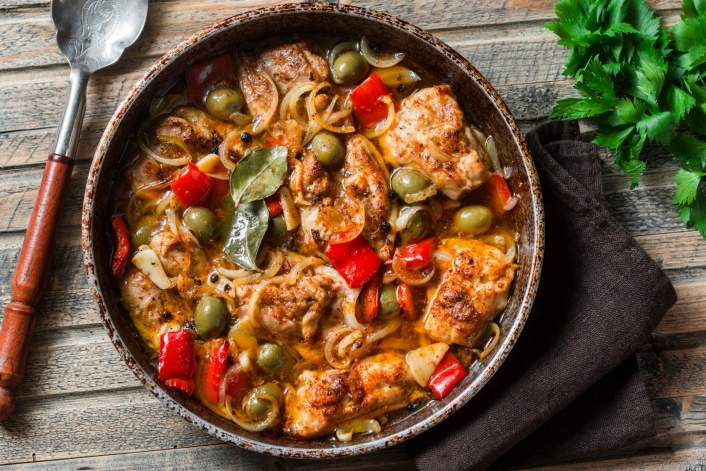 Weight Watchers Crockpot recipe for chicken with olives and capers in a bowl.